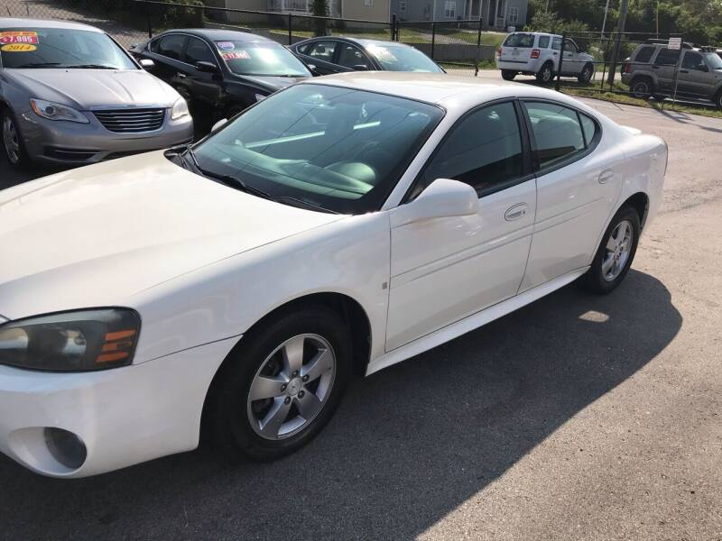 2008 Pontiac Grand Prix for sale at Mitchell Motor Company in Madison TN