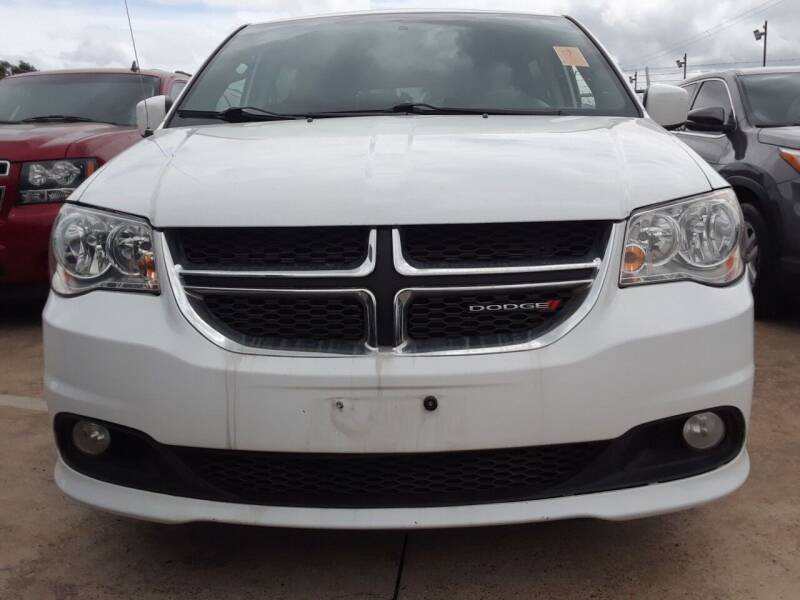 2017 Dodge Grand Caravan for sale at Auto Haus Imports in Grand Prairie TX