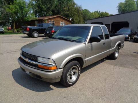 2000 Chevrolet S-10 for sale at COUNTRYSIDE AUTO INC in Austin MN