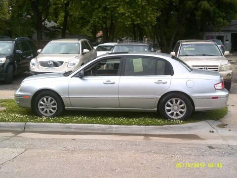 2005 Kia Amanti for sale at D & D Auto Sales in Topeka KS
