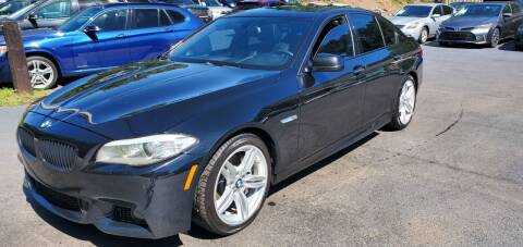 2013 BMW 5 Series for sale at GEORGIA AUTO DEALER, LLC in Buford GA