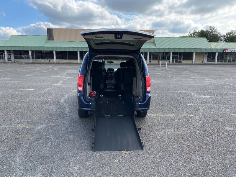 2017 Dodge Grand Caravan for sale at BT Mobility LLC in Wrightstown NJ