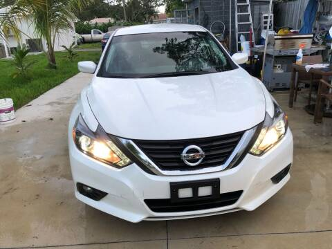 2016 Nissan Altima for sale at Global Motors in Hialeah FL