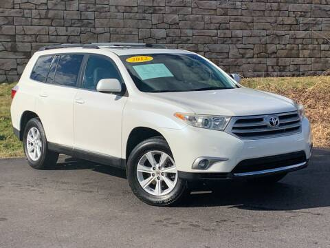 2012 Toyota Highlander for sale at Car Hunters LLC in Mount Juliet TN