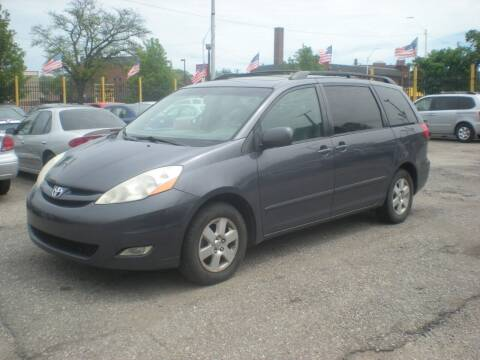 2007 Toyota Sienna for sale at Automotive Center in Detroit MI