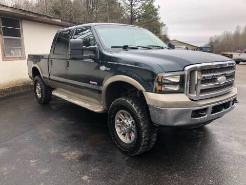 2005 Ford F-250 Super Duty for sale at Monroe Auto's, LLC in Parsons TN