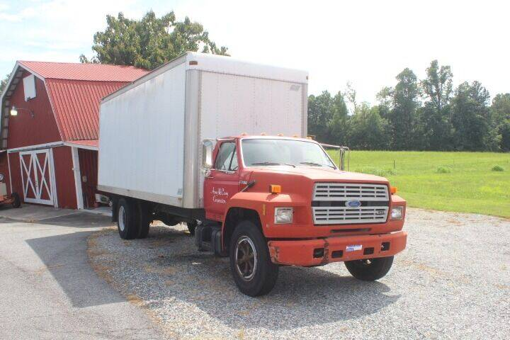 1993 Ford F-700 for sale at Vehicle Network - Joe's Tractor Sales in Thomasville NC
