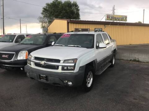 2002 Chevrolet Avalanche for sale at BELOW BOOK AUTO SALES in Idaho Falls ID