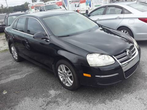 2006 Volkswagen Jetta for sale at GOLDEN GATE AUTOMOTIVE,LLC in Zephyrhills FL