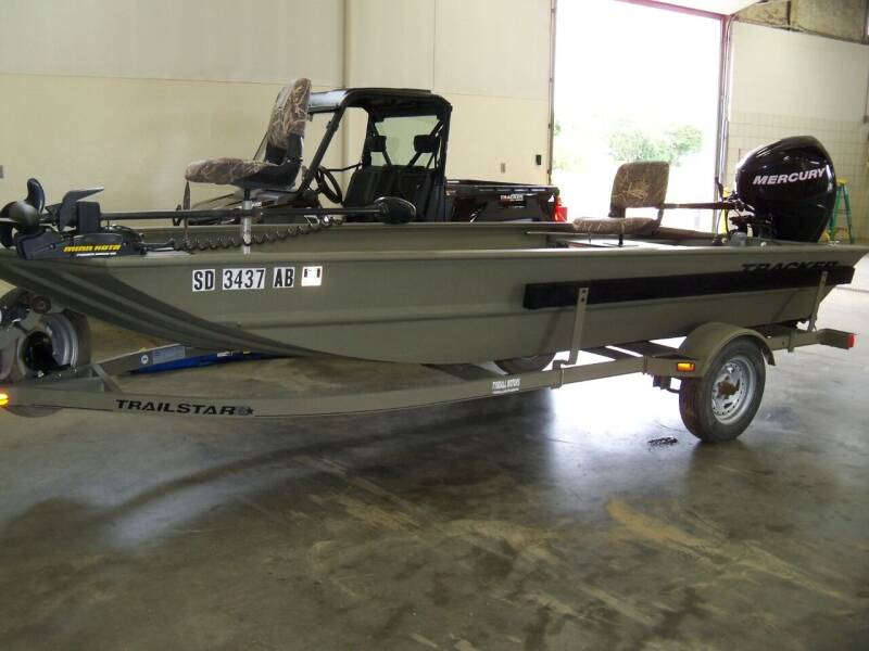 2011 Tracker GRIZZLY 1648 for sale at Tyndall Motors in Tyndall SD