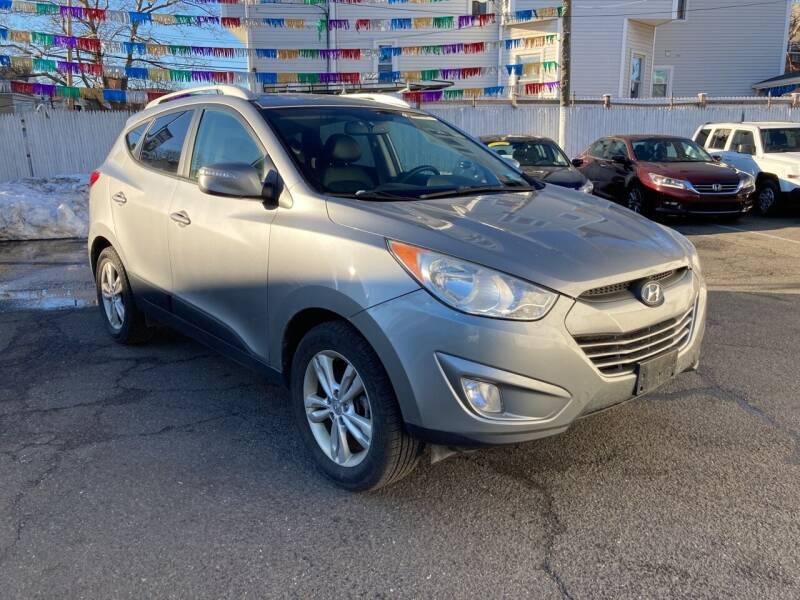 2013 Hyundai Tucson for sale at B & M Auto Sales INC in Elizabeth NJ