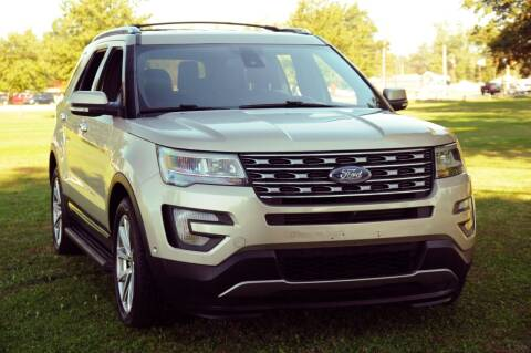 2017 Ford Explorer for sale at Auto House Superstore in Terre Haute IN