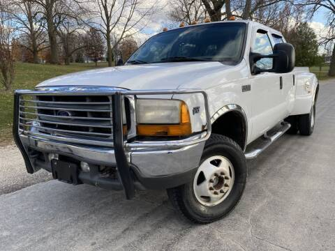 2001 Ford F-350 Super Duty for sale at Bloomington Auto Sales in Bloomington IL