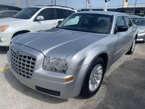 2006 Chrysler 300 for sale at The Kar Store in Arlington TX
