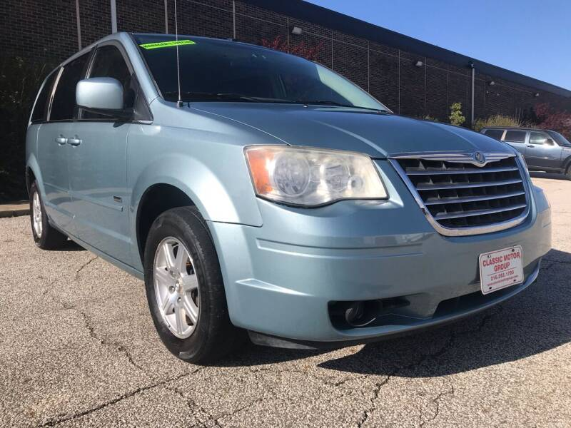 2008 Chrysler Town and Country Touring 4dr Mini-Van - Cleveland OH