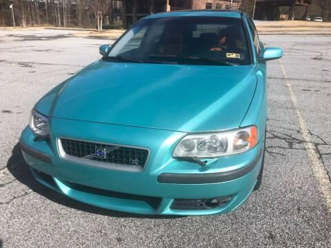 2004 Volvo V70 R for sale at R Garage Auto Sales in Decatur GA