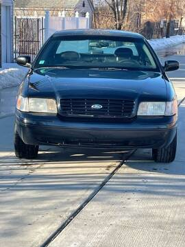 2002 Ford Crown Victoria for sale at Suburban Auto Sales LLC in Madison Heights MI