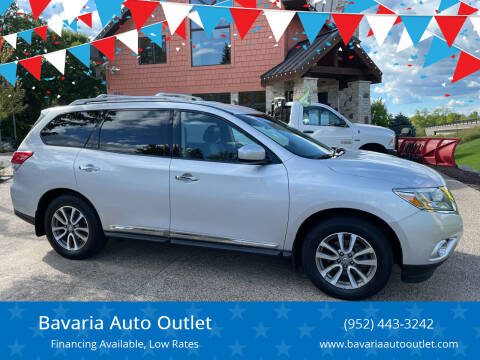 2013 Nissan Pathfinder for sale at Bavaria Auto Outlet in Victoria MN
