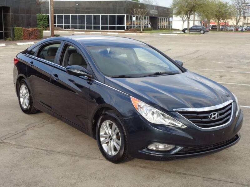 2013 Hyundai Sonata for sale at Auto Starlight in Dallas TX