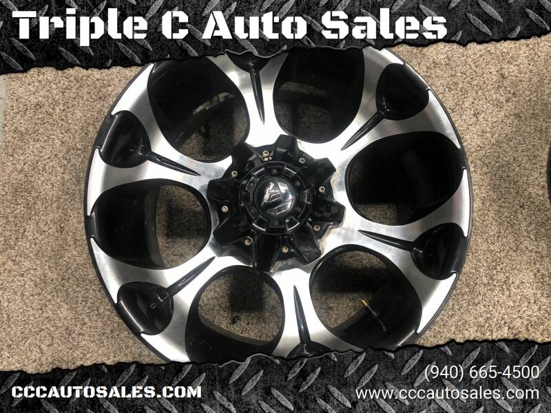 Fuel Offroad 20x10 Ford 8x170  Bolt Pattern for sale at Triple C Auto Sales in Gainesville TX