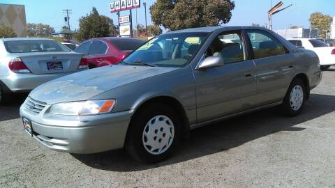 1998 Toyota Camry for sale at Larry's Auto Sales Inc. in Fresno CA