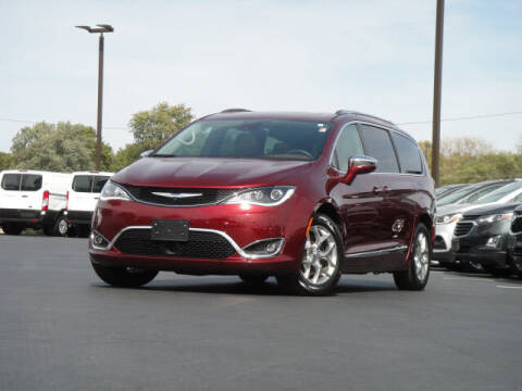 2018 Chrysler Pacifica for sale at Jack Schmitt Chevrolet Wood River in Wood River IL