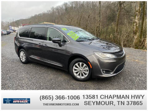 2017 Chrysler Pacifica for sale at Union Motors in Seymour TN