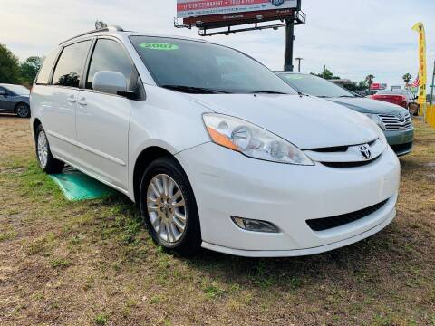 2007 Toyota Sienna for sale at Unique Motor Sport Sales in Kissimmee FL