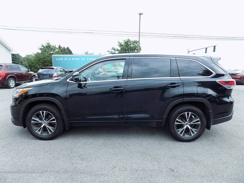 2016 Toyota Highlander for sale at SUMMIT TRUCK & AUTO INC in Akron NY