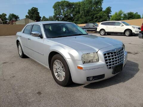 2010 Chrysler 300 for sale at Buy Here Pay Here Lawton.com in Lawton OK