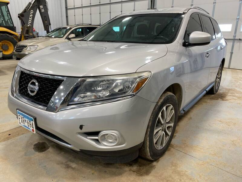 2013 Nissan Pathfinder for sale at RDJ Auto Sales in Kerkhoven MN