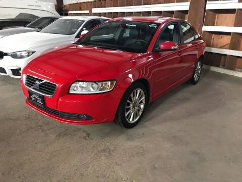 2010 Volvo S40 for sale at Luxury Auto Finder in Batavia IL