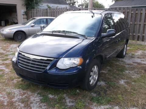 2005 Chrysler Town and Country for sale at Straight Line Motors LLC in Fort Wayne IN