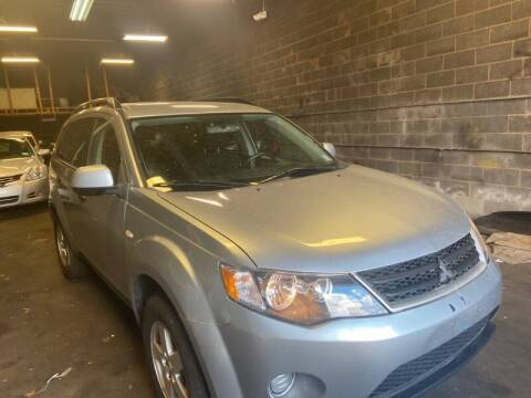 2007 Mitsubishi Outlander for sale at O A Auto Sale in Paterson NJ