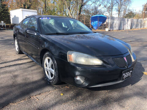 2006 Pontiac Grand Prix for sale at PARK AVENUE AUTOS in Collingswood NJ