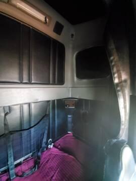 2003 Freightliner FLD120