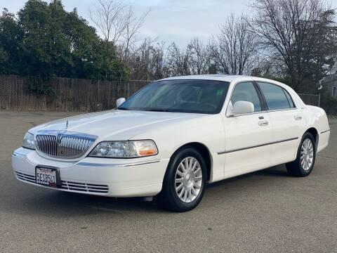 2003 Lincoln Town Car for sale at SHOMAN MOTORS in Davis CA