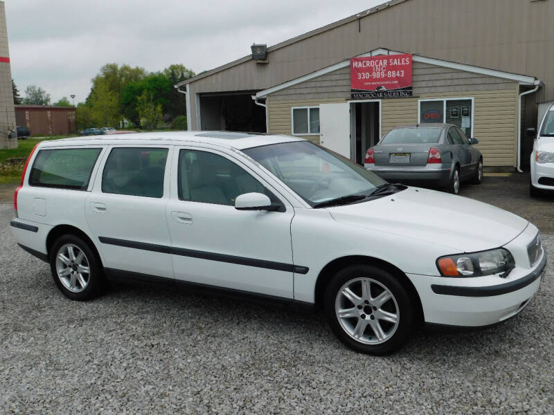 2004 Volvo V70 for sale at Macrocar Sales Inc in Akron OH