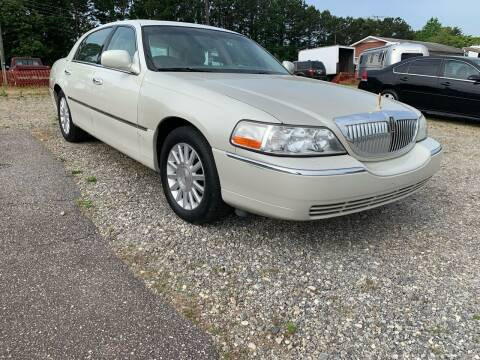 2004 Lincoln Town Car for sale at Hillside Motors Inc. in Hickory NC
