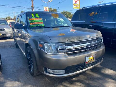 2013 Ford Flex for sale at Crown Auto Inc in South Gate CA