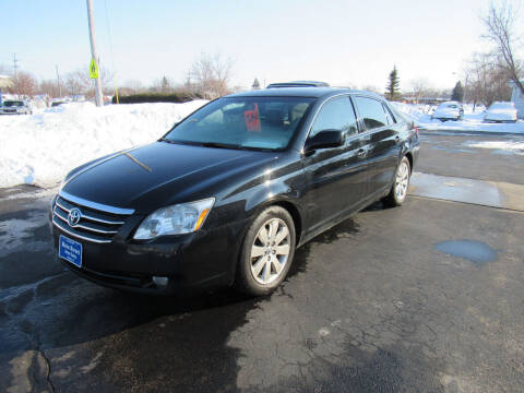 2005 Toyota Avalon for sale at MAIN STREET AUTO SALES in Neenah WI