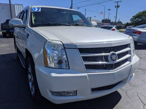 2007 Cadillac Escalade for sale at GREAT DEALS ON WHEELS in Michigan City IN