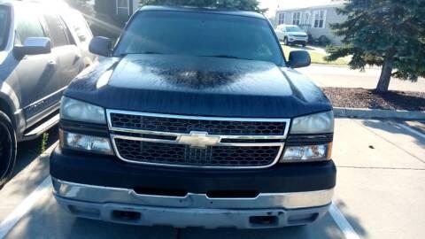 2005 Chevrolet Silverado 2500HD for sale at Heartbeat Used Cars & Trucks in Harrison Township MI