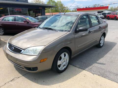 2005 Ford Focus for sale at Wise Investments Auto Sales in Sellersburg IN