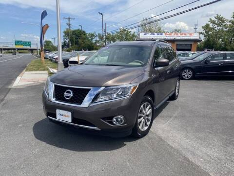 2015 Nissan Pathfinder for sale at CARMART Of New Castle in New Castle DE