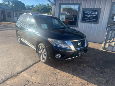 2013 Nissan Pathfinder for sale at Rutledge Auto Group in Palestine TX