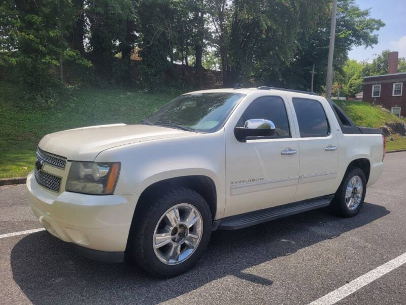2009 Chevrolet Avalanche for sale at Thompson Auto Sales Inc in Knoxville TN