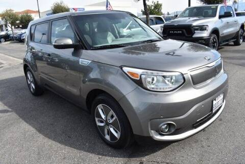 2017 Kia Soul EV for sale at DIAMOND VALLEY HONDA in Hemet CA