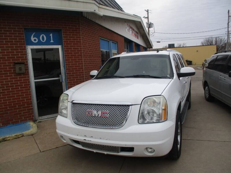 2007 GMC Yukon XL for sale at Discount Motor Sales LLC in Wichita KS