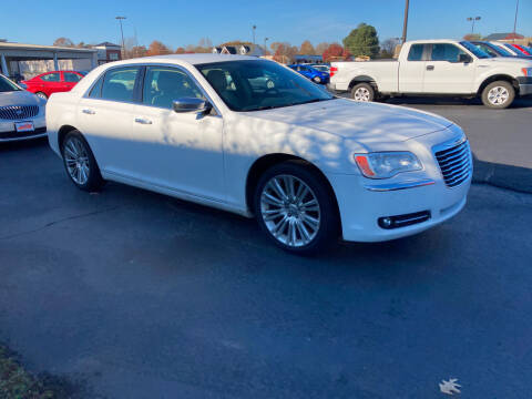 2011 Chrysler 300 for sale at McCully's Automotive in Benton KY